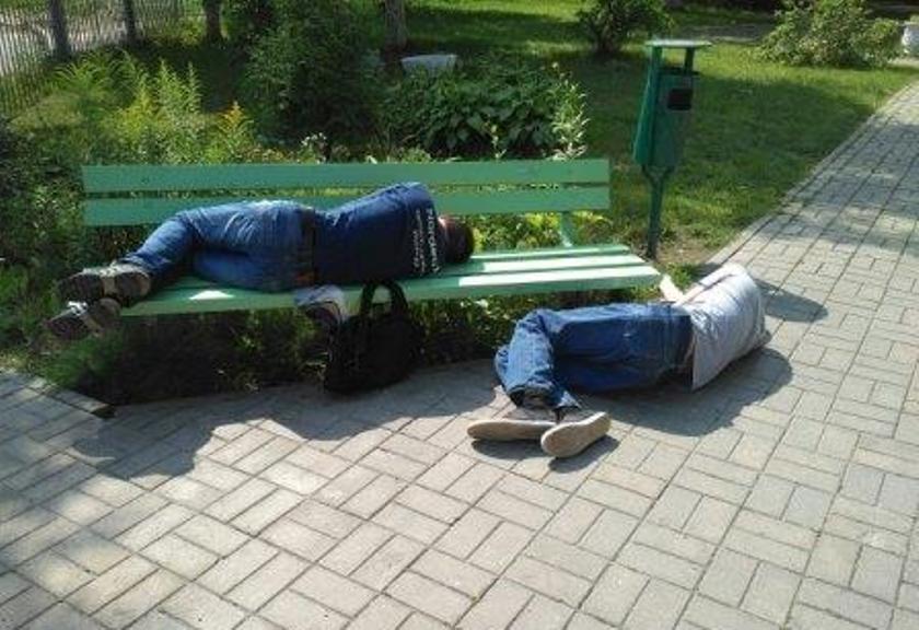 Пьяные мужчины