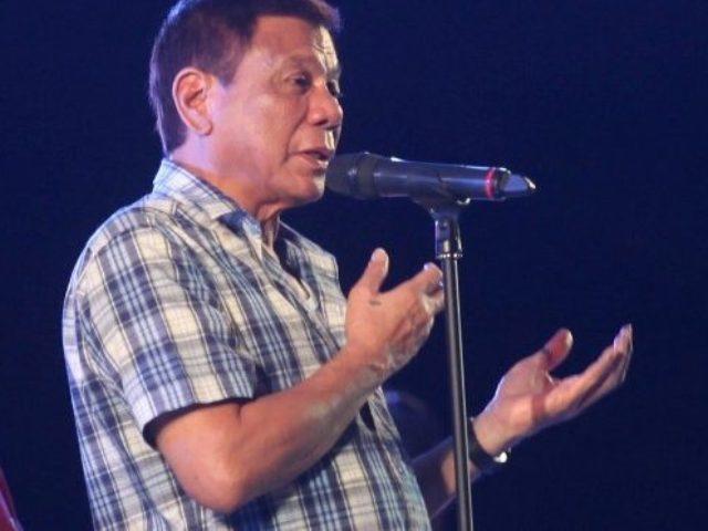 Президент Филиппин убивает наркоманов