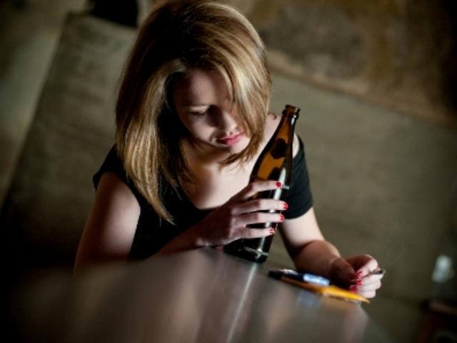Женский алкоголизм неизлечим - почему так считает большинство?