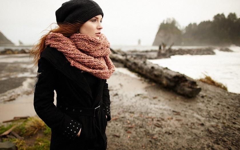 Теплая одежда в осенний холод